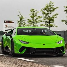 Lamborghini Huracan Weird Cars, Cool Cars, Crazy Cars, Exotic Sports Cars, Exotic Cars, My Dream Car, Dream Cars, Lamborghini Huracan, Car Makes