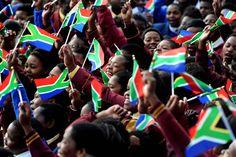 Dans tout le pays, les écoliers se sont mis à chanter, comme ici à Qunu, village où a grandi Madiba. #Mandela #Mandeladay