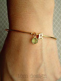 Anfängliche und Birthstone Armreif - Silber oder Gold zierliche Buchstaben Armband Gold erste Brautjungfer benutzerdefinierte Geschenk personalisiert Hochzeit