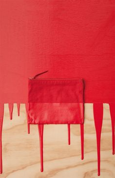 Image of PAINT DIPPED POUCH-BERRY