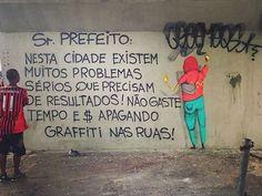 Osgemeos protestam após grafites serem apagados em SP