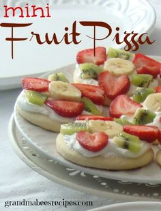 Mini Fruit Pizzas are a great dessert for a bridal shower, baby shower or any kind of party!