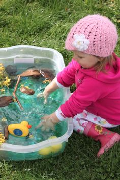 Duck Pond - lots of fun splashing and picking things up out of the water. Prompt words- wet, got it, more ducks. Sensory Tubs, Sensory Boxes, Sensory Activities, Sensory Play, Toddler Activities, Teaching Activities, Stages Of Baby Development, Toddler Development, Duck Pond