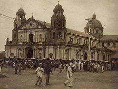 Do you know what some famous Manila landmarks used to look like? Take this quiz and you'll be surprised! Old Photos, Vintage Photos, Nostalgia, Philippines Culture, Filipiniana, Architecture Old, Manila, Historical Photos, Old Town