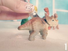 Miss Darlingheart: Toy Dinosaur DIY: Photo Holder