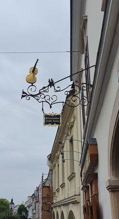 Österreich Eisenstadt-Hauptstrasse Utility Pole, Travelling
