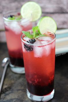 Blackberry Lime Mojitos from @zmansaray
