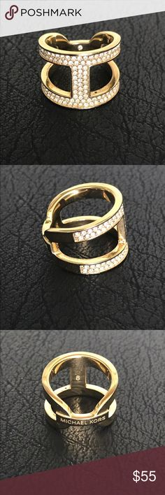 Michael Kors Ring Worn a few times and is still in great condition. Size 6.5 Michael Kors Jewelry Rings