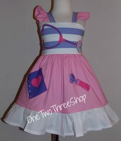 Custom Boutique Clothing Doc McStuffins Applique Sassy by amacim Disney Outfits, Kids Outfits, Little Girl Dresses, Girls Dresses, Kylie Birthday, 4th Birthday, Doc Mcstuffins Birthday Party, Dress Up Boxes, Cute Aprons