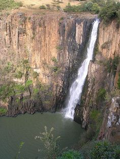 """This falls is probably the world's deadliest waterfalls. The fascinating tall Howick Falls of South Africa is known to Zulu people as the """"Place of the Tall One"""". Abseiling, Victoria Falls, Geology, Wonderful Places, Places To See, South Africa, Around The Worlds, Water, Outdoor"""