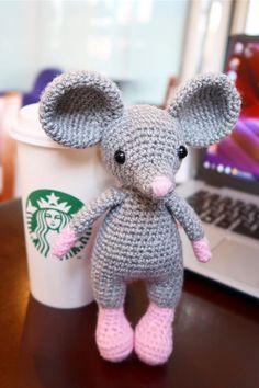 FREE crochet mouse pattern and tutorial Toys Patterns amigurumi mice FREE crochet mouse pattern Crochet Amigurumi Free Patterns, Crochet Animal Patterns, Stuffed Animal Patterns, Free Crochet, Crochet Rabbit, Crochet Mouse, Crochet Crafts, Crochet Projects, Idee Diy