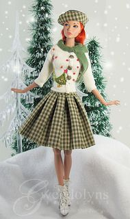 Green Sweater | by Gwendolyns Treasures JOLIE POUPEE A NOEL *