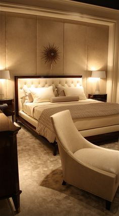 Thomas Pheasant. Traditional and serene bedroom.
