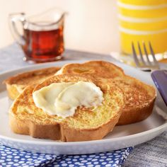 Classic French Toast Recipe from Land O'Lakes! Breakfast Desayunos, Best Breakfast Recipes, Breakfast Ideas, Breakfast Skillet, Brunch Recipes, Brunch Dishes, Breakfast Casserole, Sweet Recipes, Dinner Recipes