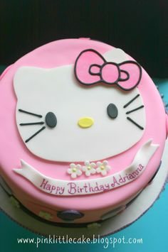 Pink Little Cake: Hello Kitty Cake Pink Little Cake: Hello Kitty Cake Easy Birthday Cake Recipes, 7th Birthday Cakes, Halloween Birthday Cakes, Girl Birthday, Birthday Ideas, Hello Kitty Birthday Cake, Hello Kitty Cake, Cake Pops, Birthday Cake Pinterest