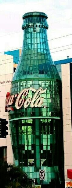 World of Coca-Cola, one of the great attractions in Atlanta city. I ❤❤❤ coca cola Unusual Buildings, Amazing Buildings, Amazing Architecture, Architecture Design, Coca Cola Atlanta, World Of Coke Atlanta, Always Coca Cola, World Of Coca Cola, Sodas