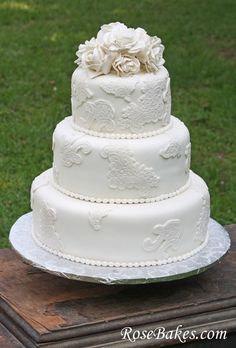 Ideas for Wedding Cake: Vintage Lace Wedding Cake with Sugar Roses