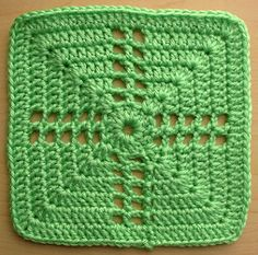 Notes on gauge and yarn: As with all of the stitch patterns in this book, the gauge is flexible depending on your yarn and needle choice.