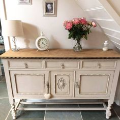 Here's some fabulous #DIY inspo for you! A lovely #EntryoftheDay by Claire Owens, using Chalky Finish in Hessian, and Clear Finishing Wax. 👌 #MakeItYours #upcycle #diyblogger #inspiration #colour #chic #MondayMotivation
