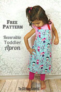 Reversible Toddler Apron with Free Pattern #apronpattern #freesewingpattern #sewforkids #easysewing