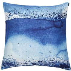 A cotton cushion cover featuring Aino-Maija Metsola's Luovi pattern. Scandinavian Living, Cushions, Pillows, Premier Designs, Nordic Design, Marimekko, Season Colors, Home Accessories, Pillow Covers