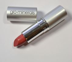 Making Up the Midwest: Review & Swatchfest: glô·minerals Lipstick in Rose Petal