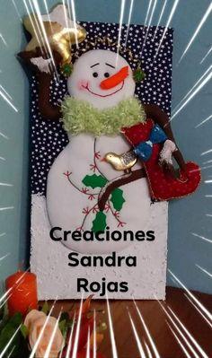 Diy Christmas Door Decorations, Christmas Window Display, Holiday Decor, Christmas Humor, Christmas Crafts, Christmas Ornaments, Holly Wreath, Corner Garden, Easy Diy