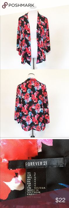 "FOREVER 21 floral kimono size Small Details: beautiful floral kimono from forever 21 Size: small  Material: in photos  Condition: EUC Measurements are taken flat! Length: 28"" from shoulder)  ☑️ Bundle Discounts  ☑️Fast shipping  ☑️Posh Ambassador  ✨Shop with Confidence Forever 21 Sweaters Cardigans"