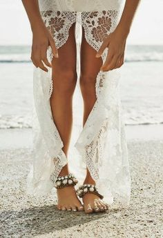 lace dress - perfect for a beach wedding!