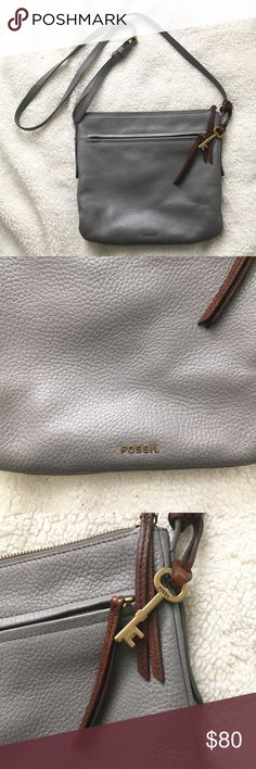 Fossil Crossbody Great condition! Some color transfer on the back from jeans- usually comes off with a magic eraser. A few signs of wear. Offers encouraged! Fossil Bags Crossbody Bags