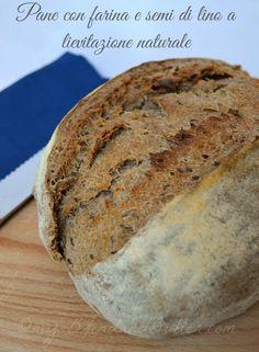 Pane con semi e farina di semi di lino