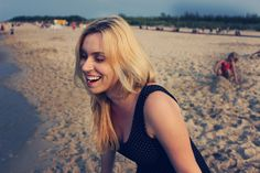 Wybuch śmiechu na plaży - Karolina