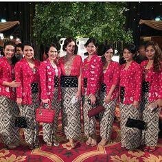 Kutu baru Kebaya Brokat, Kebaya Dress, Batik Kebaya, Batik Dress, Hijab Dress, Kebaya Kutu Baru Modern, Thai Fashion, Women's Fashion, Indonesian Kebaya