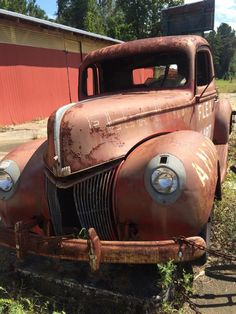 Vintage Pickup Trucks, Antique Trucks, Ford Pickup Trucks, Old Trucks, Vintage Cars, Antique Cars, Classic Trucks, Classic Cars, Rusty Cars