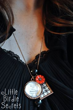 Little Birdie Secrets: make your own jewelry with photos and paper