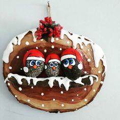 Winterwood Christmas Wood Slice Ornament Pattern by Chris Haughey Christmas Pebble Art, Christmas Rock, Diy Christmas Gifts, Christmas Projects, Christmas Decorations, Christmas Ornaments, Christmas Christmas, Stone Crafts, Rock Crafts