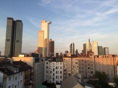 Ausblick aus einem Frankfurter WG-Zimmer: die Skyline. WG-Zimmer in Frankfurt  #Frankfurt #WGZimmer #skyline