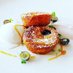 Individual #blueberry #Clafoutis at @thepetershamhotel in #Richmond. I had a stunning meal there last week with @jude_magee to review the new menu (fabulous) and the beautifully refurbished dining room. Of course one thing that doesn't change is the stunning view out over #Petersham Meadows as painted by #Turner - it's a protected view and, in my humble opinion obviously best observed with a glass of champagne and lunch at #PetershamHotel. #delicious #toplondonrestaurants #LoveLondon…