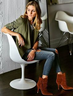 "Olivia Palermo [stop with the word, ""yep"" please. That word is just annoying… Olivia Palermo [stop with the word, ""yep"" please. That word is just annoying. Estilo Olivia Palermo, Olivia Palermo Lookbook, Olivia Palermo Style, Edgy Chic, Look Chic, Casual Chic, Minimal Chic, Mode Outfits, Chic Outfits"