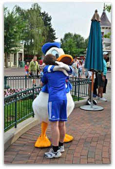Meeting Donald Duck at Disneyland Paris