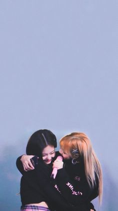 The Most beautiful two person in this universe Yg Entertainment, South Korean Girls, Korean Girl Groups, Mamamoo, Bff, Lisa Blackpink Wallpaper, Divas, Black Pink Kpop, Blackpink Memes