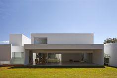 House Migliari - guimaraes in Brasil by DOMO Arquitetos