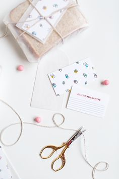 Free printable templates to make your own DIY surprise lunch notecards for kids, adults, and all loved ones alike! Free Printable Bookmarks, Free Printable Invitations, Free Printables, Printable Templates, Diy And Crafts, Arts And Crafts, Paper Crafts, Craft Activities For Kids, Party Accessories
