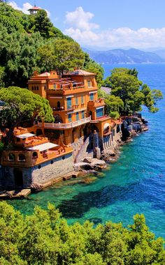 The fine cuisine of the Ligurian Region, and the innumerable cultural and nature itineraries make this corner of the Gulf of Tigullio an ideal destination any time of year.❤️🇮🇹✨ 📍Luxury homes along the Italian coast at Portofino Beautiful Places In The World, Beautiful Places To Visit, Places Around The World, Around The Worlds, Dream Vacations, Vacation Spots, Portofino Italy, Positano Italy, Sorrento Italy