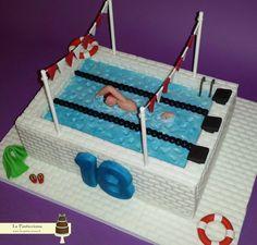 Torta con piscina per un giovane campione di nuoto www.la-pasticciona.it