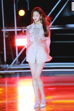 Kpop Girl Groups, Kpop Girls, Stylish Girl Images, Japanese Girl Group, Kim Jennie, Asia Girl, Girl Bands, Girls Image, Ulzzang Girl