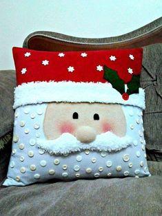 Christmas Fabric Crafts, Christmas Cushions, Crochet Christmas Ornaments, Christmas Sewing, Christmas Pillow, Felt Christmas, Holiday Crafts, Xmas Decorations, Pillows