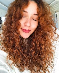 New Ideas hair red cut waves Curly Ginger Hair, Curly Hair Tips, Curly Hair Styles, Natural Hair Styles, Permed Hairstyles, Pretty Hairstyles, Braided Hairstyles, Wavey Hair, Long Wavy Hair