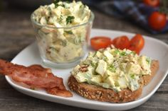 Avocado Egg Salad Recipe: A great avocado egg tart recipe, if you miss the mayonnaise, you can enrich it, but you can also have a. Healthy Deserts, Healthy Snacks, Healthy Eating, Clean Eating, Vegetarian Lifestyle, Vegetarian Recipes, Healthy Recipes, Tart Recipes, Cooking Recipes