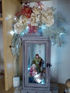 50 DIY Christmas Lantern Decoration Ideas for a Merrier & Brighter Home - Ethinify Christmas In Heaven, Small Christmas Trees, Christmas Nativity Scene, Christmas Bows, Rustic Christmas, Christmas Crafts, Christmas Ornaments, Nativity Scenes, Christmas 2019